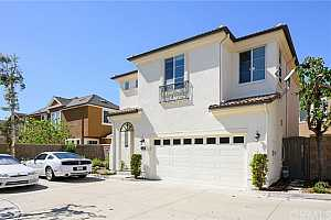 Browse active condo listings in TUSTIN FIELD