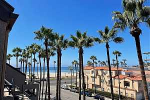 Browse active condo listings in PIERHOUSE