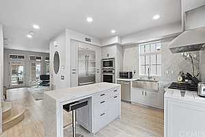 Browse active condo listings in SAILHOUSE