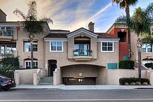 Browse active condo listings in NORTHWEST HUNTINGTON BEACH