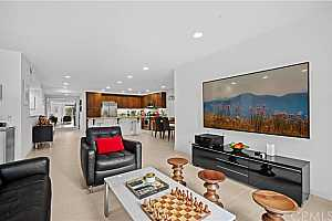Browse active condo listings in CENTRAL PARK WEST